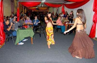Dança do ventre é uma das atrações. (Foto: Valter Pereira/PMJ)