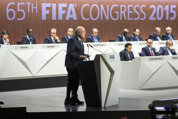 Presidente da Fifa, Joseph Blatter, discursa no 65° Congresso da entidade no Hallenstadion em Zurique, na Suíça. (Foto: Patrick B. Kraemer/EPA/Agência Lusa)