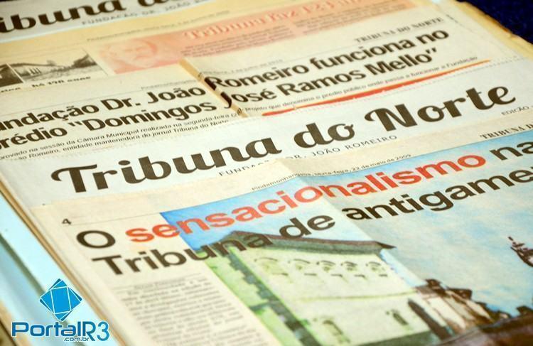 Jornais da Tribuna contam a história da Princesa do Norte ao longo dos anos. (Foto: Luis Claudio Antunes/PortalR3)