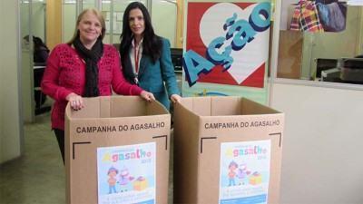 A coleta de agasalhos ocorrerá até o final de agosto e nesta segunda fase de arrecadação a empresa quer incentivar, em todas as unidades no Brasil, a doação de meias. (Foto: Alessandra Jorge/PMSJC)