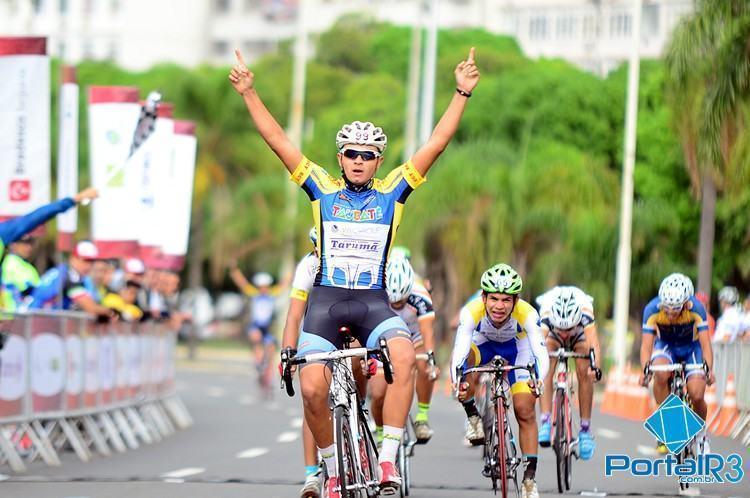 Lucas Couto, de Taubaté, venceu na Júnior. (Foto: Luis Claudio Antunes/bike76)