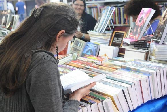 Preço fixo para os livros foi tema de debate na 13ª Flip, em Paraty . (Foto: Arquivo/Agência Brasil)