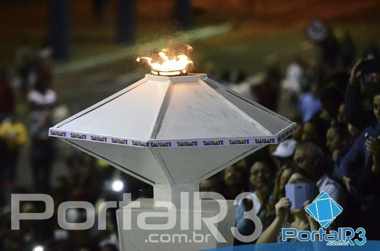 Pira olímpica dos Jogos Regionais de Taubaté. (Foto: Luis Claudio Antunes/PortalR3)