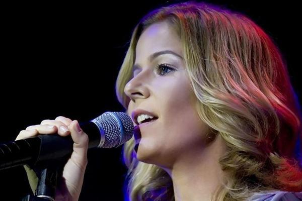 A cantora Paula Toller se apresenta no próximo sábado, dia 4, às 22h.  (Foto: Fabricio Barreto/Divulgação)
