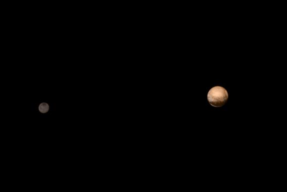 Sonda New Horizon capta imagens de Plutão e de sua lua Charon. (Foto: Divulgação/ Nasa/Agência Brasil)