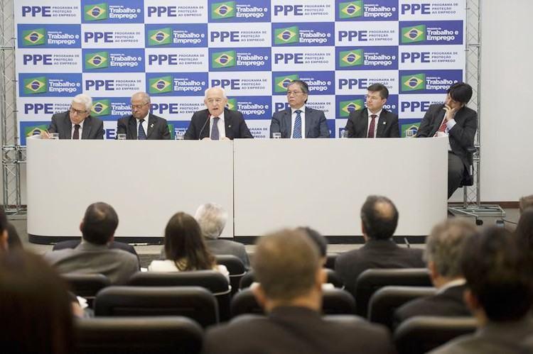 Comitê Interministerial do Programa de Proteção ao Emprego apresenta regras de adesão pelas empresas. (Foto: Marcelo Camargo/Agência Brasil)