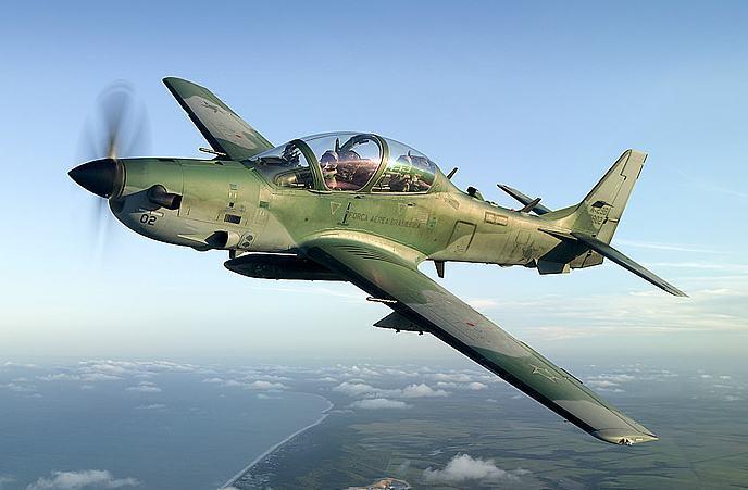 Embraer fecha venda de seis aviões militares Super Tucano