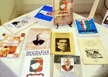 Livros escritos por Francisco Piorino. (Foto: Luis Claudio Antunes/PortalR3)