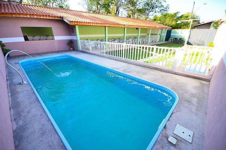 Área de lazer com piscina, churrasqueira e amplo espaço. (Foto: PortalR3)