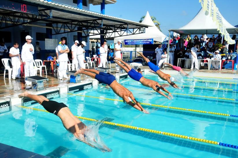 Natação de Caraguá conquista oito medalhas de ouro nos Jogos Regionais