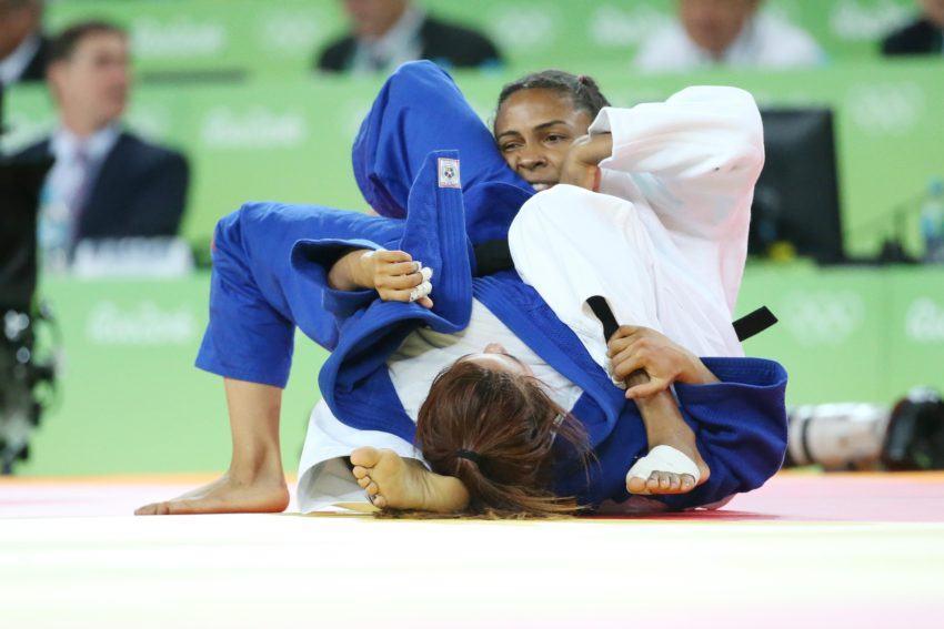 Judô: Rafaela Silva vence alemã e segue na disputa por medalha