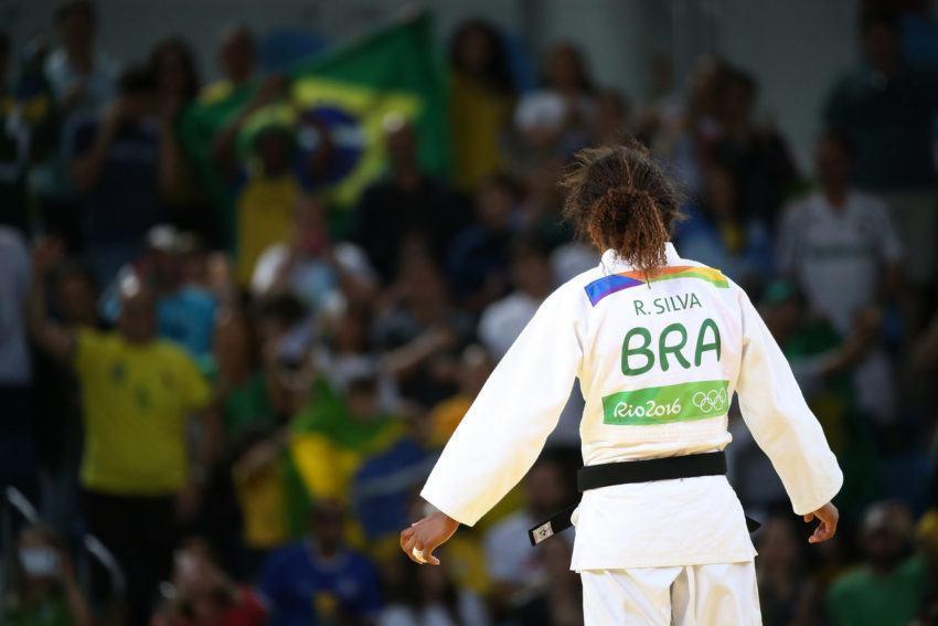 Judoca Rafaela Silva vence e avança para a semifinal