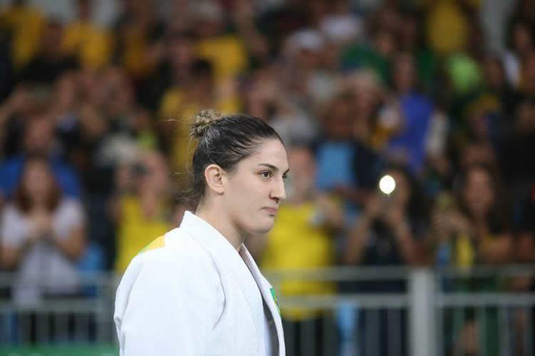 Judoca Mayra Aguiar vence cubana e ganha medalha de bronze