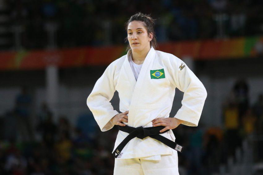 Mayra Aguiar vai para as semifinais no judô olímpico
