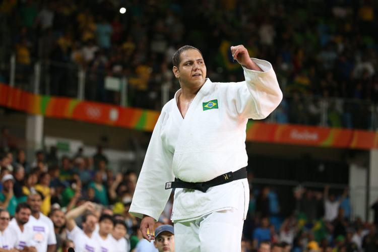 Rafael Silva é bronze no judô e dá quarta medalha ao Brasil na Rio 2016