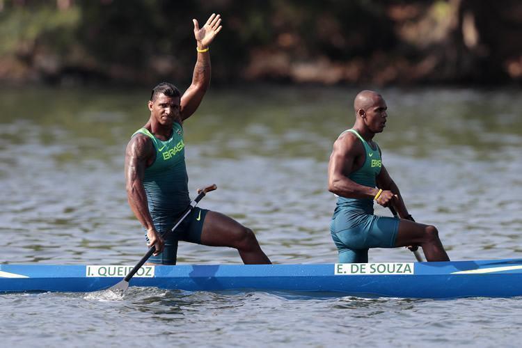 Brasil é prata na canoa dupla de 1000m com Isaquias e Erlon