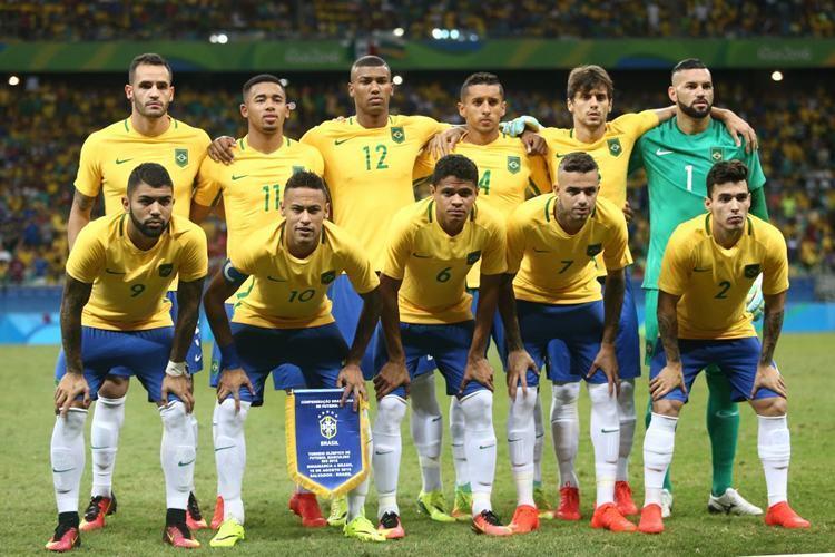 Time que começou a partida no Maracanã. ( Lucas Figueiredo / MoWa Press)