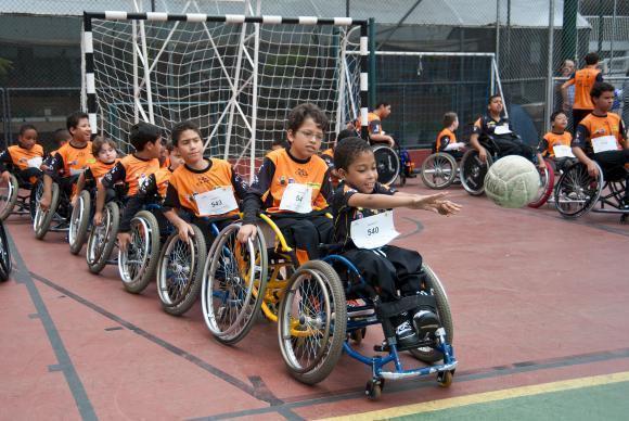 Associação oferece programa de iniciação ao esporte, que atende gratuitamente a cerca de 250 crianças e adolescentes que nasceram ou se tornaram deficiente (Foto Divulgação/ADDDivulgação ADD)
