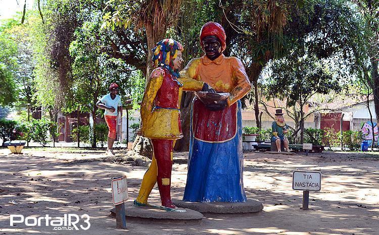 Personagens do Sítio do Pica-pau Amarelo em Taubaté. (Foto: Luis Claudio Antunes/PortalR3)
