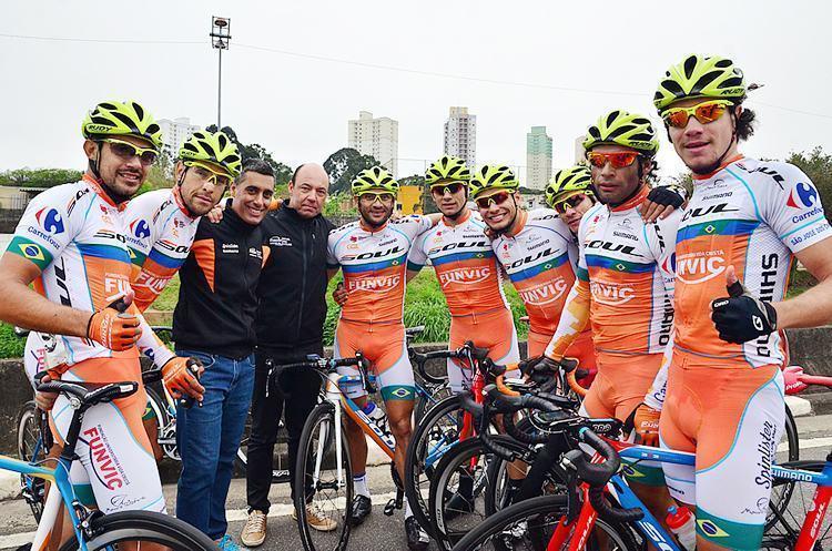 Equipe joseense comemora título dos Abertos. (Foto: Luis Claudio Antunes/Bike76)