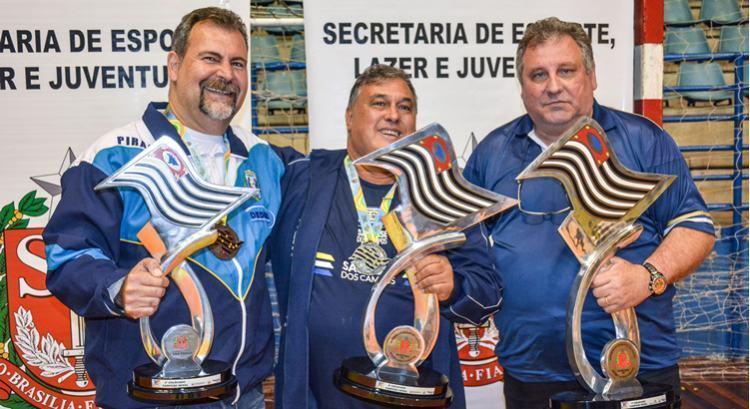 Premiação final dos Jogos Abertos do Interior 2016. (Foto: Arthur Marega Filho/PMSJC)