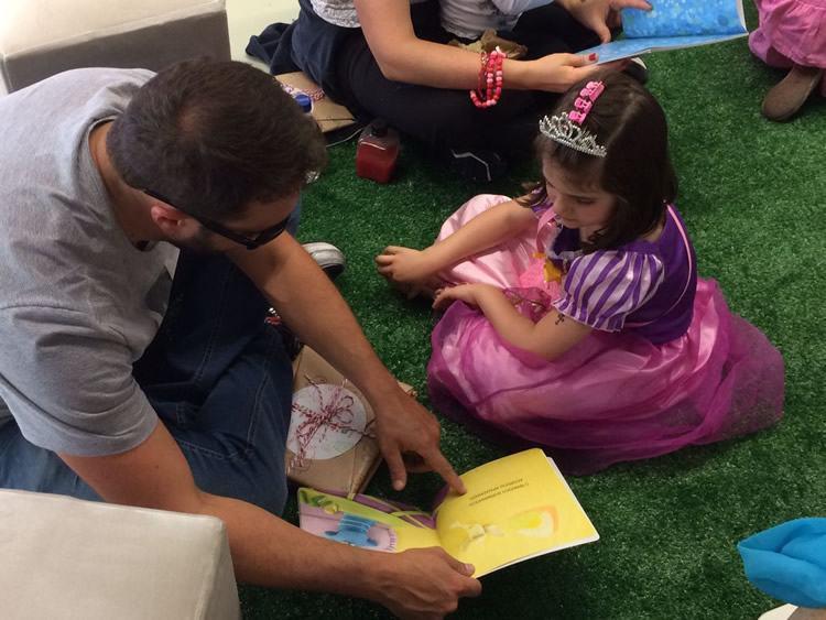 Leiturinha traz espaço para leitura em família na Primavera Literária de São Paulo