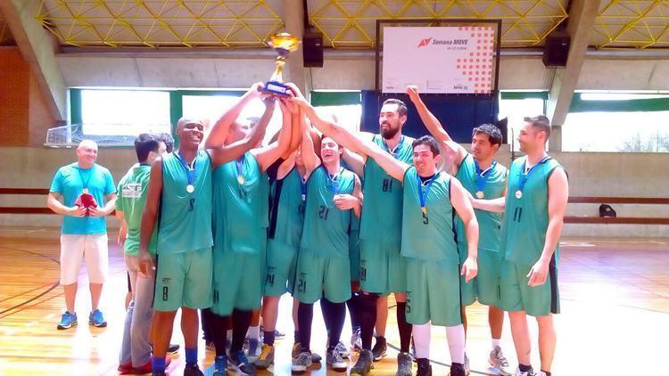 Basquete de Pindamonhangaba é campeão de torneio em Taubaté