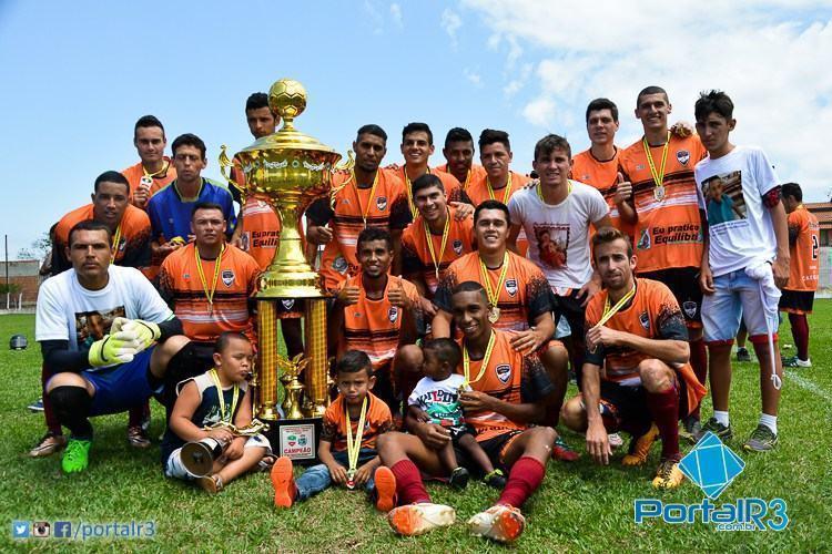 Confira os campeões do futebol de Pinda em 2016