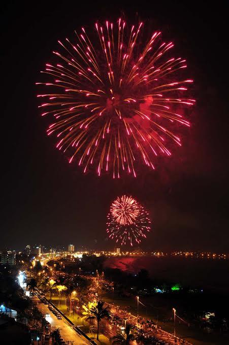 Queima de Fogos em Caraguá - Foto: Gianni D'Angelo - Ano novo no Mundo