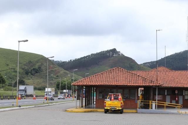 CCR NovaDutra interdita faixa de rolamento da rodovia para obras em Lavrinhas