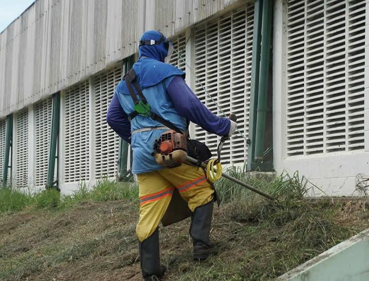 Subprefeitura de Moreira César faz operação limpeza em vários pontos