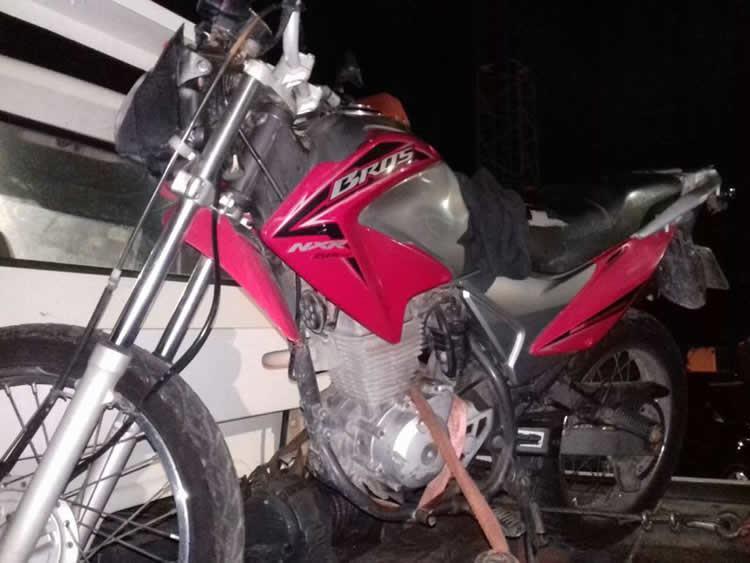 Operação bloqueio em Caraguá localiza moto furtada