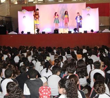 CCR NovaDutra leva peça teatral para alunos de escolas municipais de São José