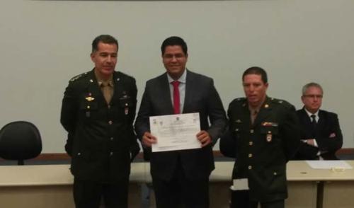 Prefeito de Caraguá  toma posse como presidente da Junta Militar