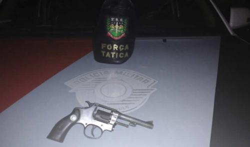 Arma de fogo encontrada com rapaz no Jardim Morumbi em Pinda