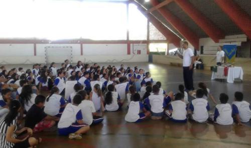 Guará recebe campeão panamericano de handebol e equipe de vôlei sentado