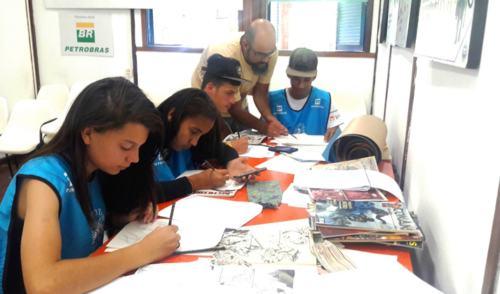 TAMAR Ubatuba faz campanha para conscientizar sobre a poluição no mar