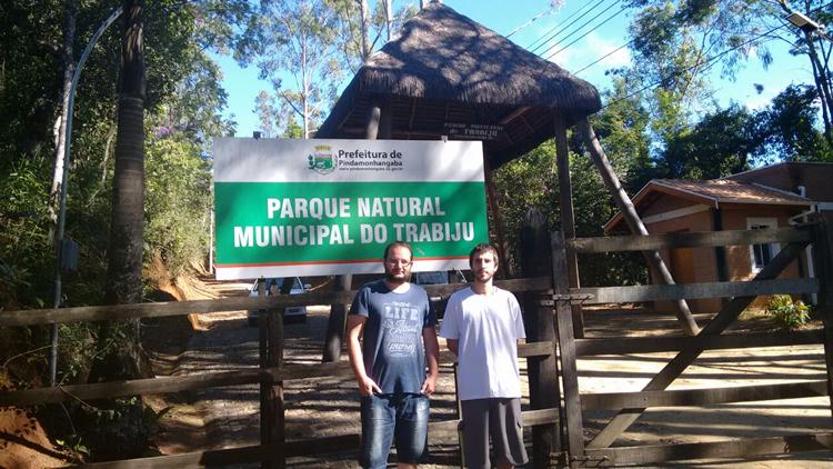 Pesquisadores estudam morcegos do Parque do Trabiju em Pinda