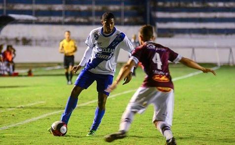 Taubaté sofre gol no início do jogo e não consegue virar sobre o Sertãozinho