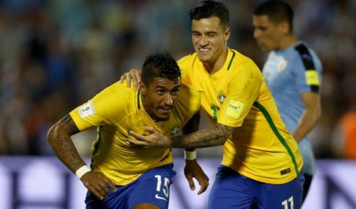 Paulinho marca três vezes e Brasil goleia o Uruguai