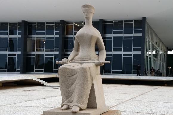 STJ concede habeas corpus que concede prisão domiciliar a mulher de Cabral