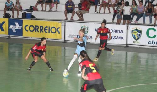 Estrela de Guarulhos realiza peneira no futsal feminino
