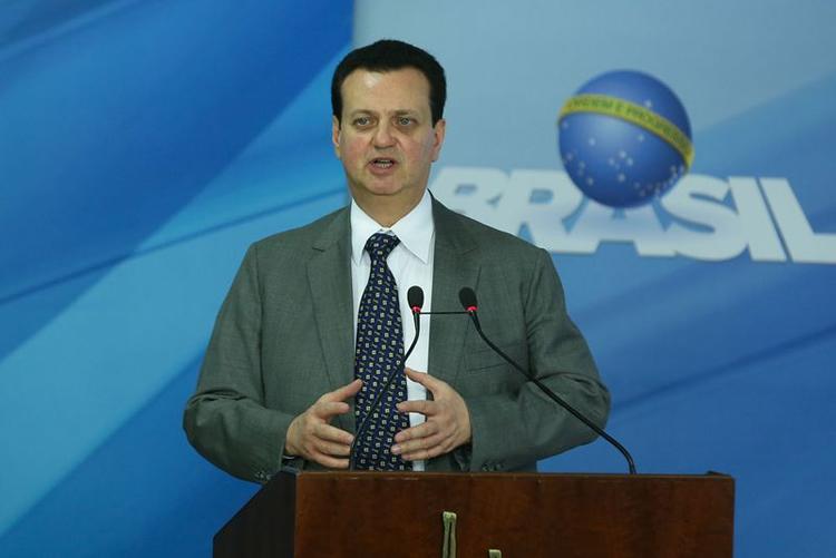 Governo publicará MP sobre arcabouço para intervenção na Oi, diz Kassab