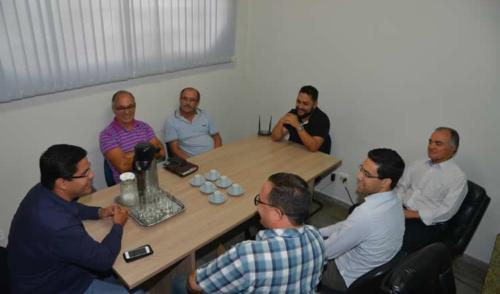 Prefeito de Caraguá se reúne com Conselho de Pastores