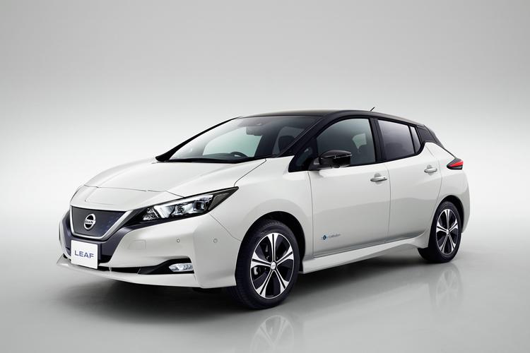 Nissan apresenta Leaf renovado, mais atraente e inteligente