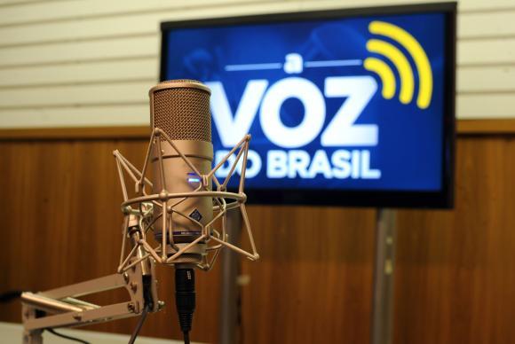 Presidente Temer sanciona flexibilização de A Voz do Brasil