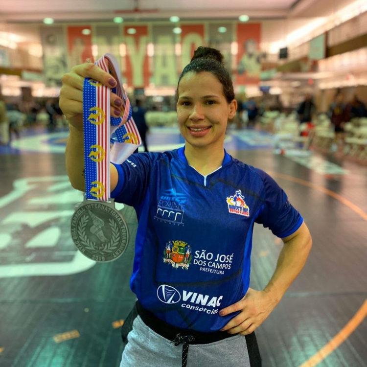 Lutadora de São José é prata no Torneio Internacional Bill Farrell - PortalR3